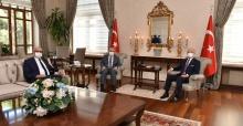 YÖK Başkanı Prof. Dr. Özvar Vali Karadeniz'le bir araya geldi