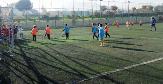 Yunusemreli Çocuklara Futbol Şöleni